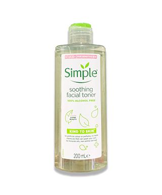 nuoc-hoa-hong-simple-soothing-facial-toner