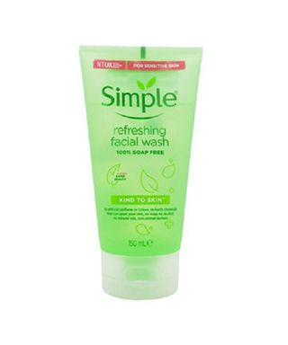 sua-rua-mat-dang-gel-simple-kind-to-skin-refreshing-facial-wash-gel